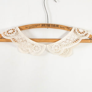 Antique Collar Cutwork with Scalloped Edge