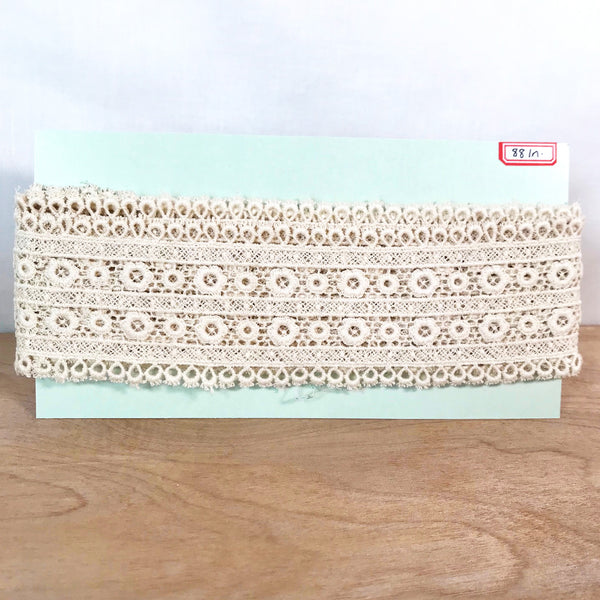 Vintage Tatted Lace / 2+ Yards