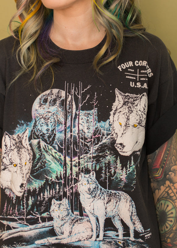 Vintage 90s Four Corners Wolf Tee