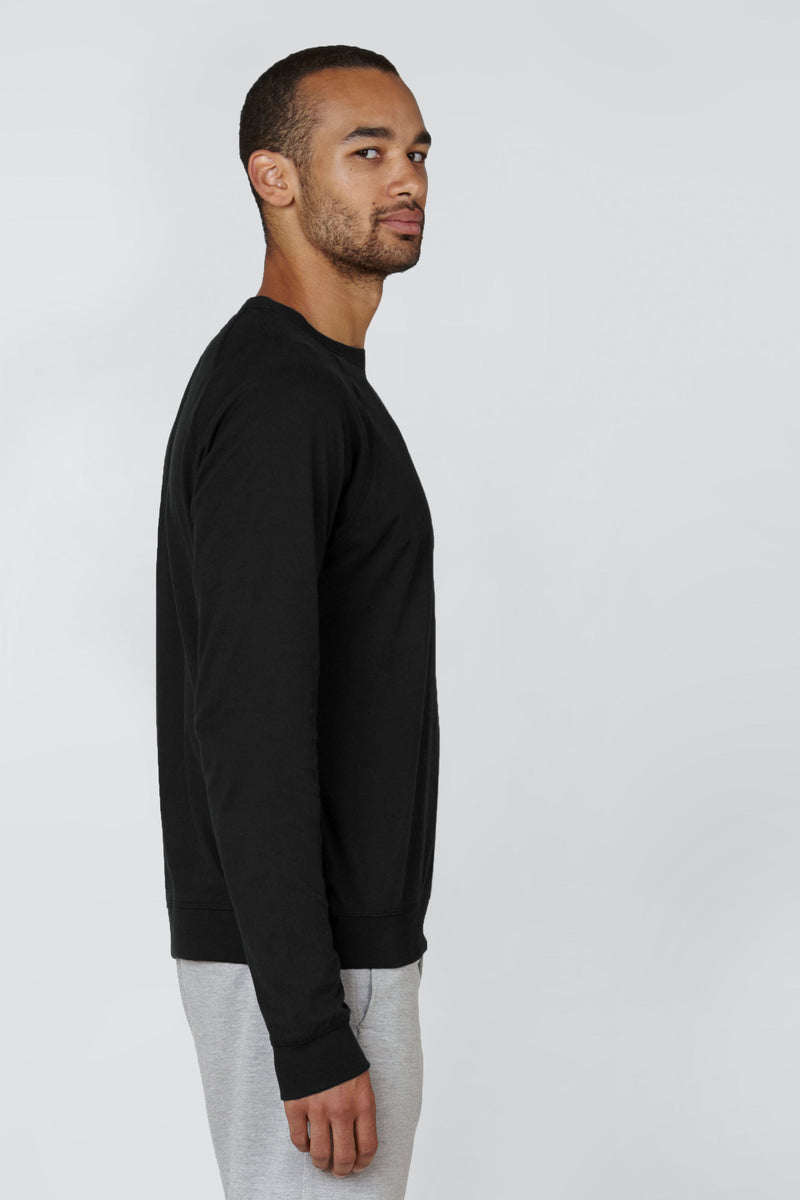 "<meta charset=""utf-8""> <p>The Long Sleeve pairs all the softness of <a href=""https://kotn.ca/products/the-crew"" target=""_blank"" rel=""noopener noreferrer"">The Crew</a> with all the comfort of a cosier knit. Its brand of carefree, city cool will carry you from the breezy boat rides of summer right into the crisp, tree-lined streets of fall.</p>"