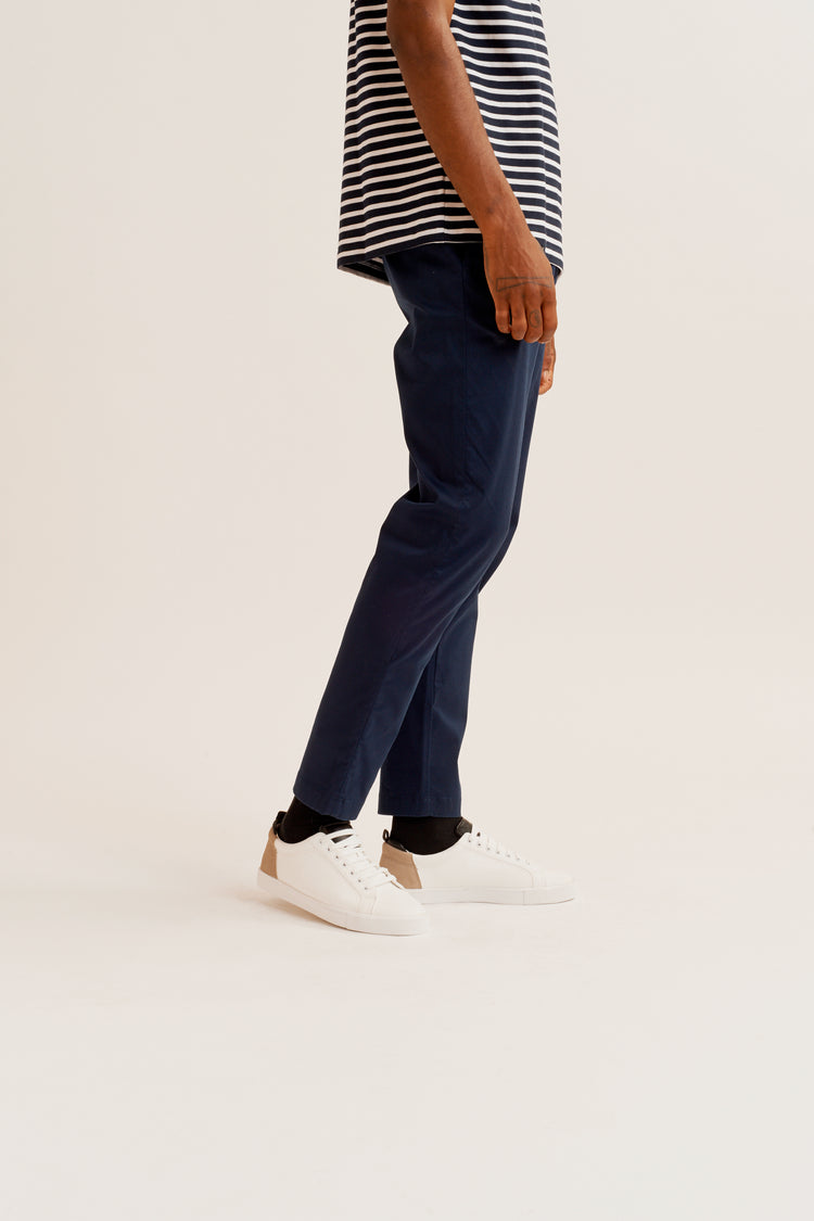 Tapered Chino in Navy Navy
