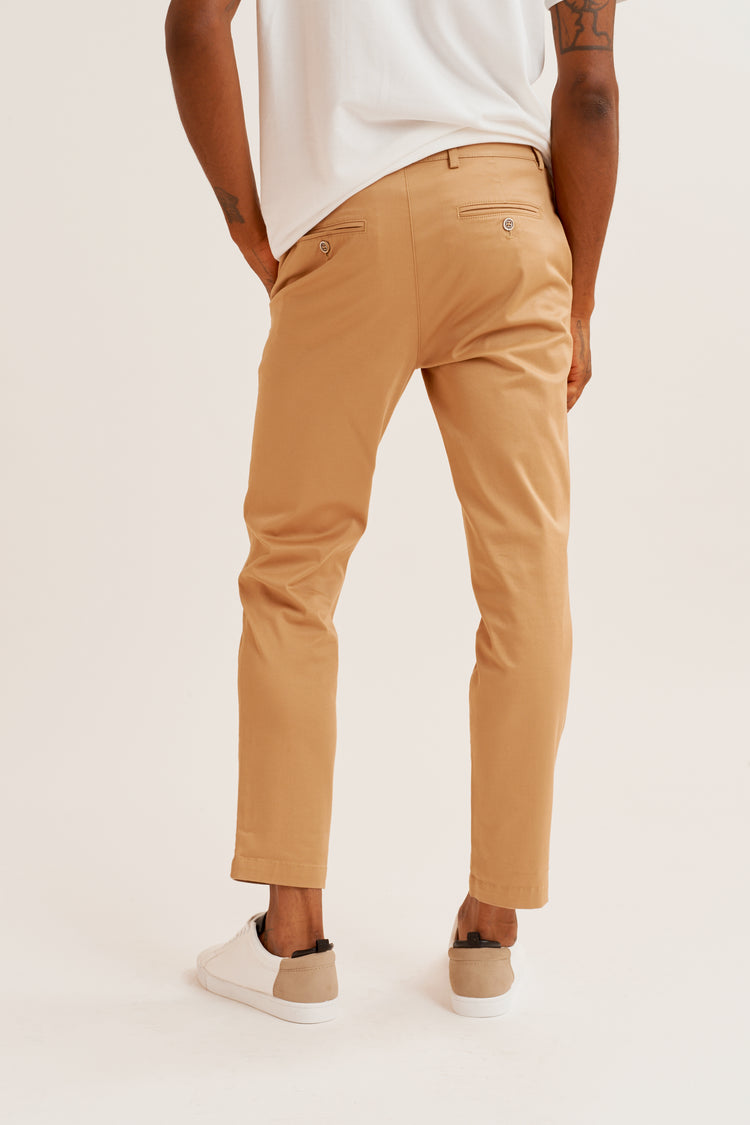 Tapered Chino in Khaki Khaki