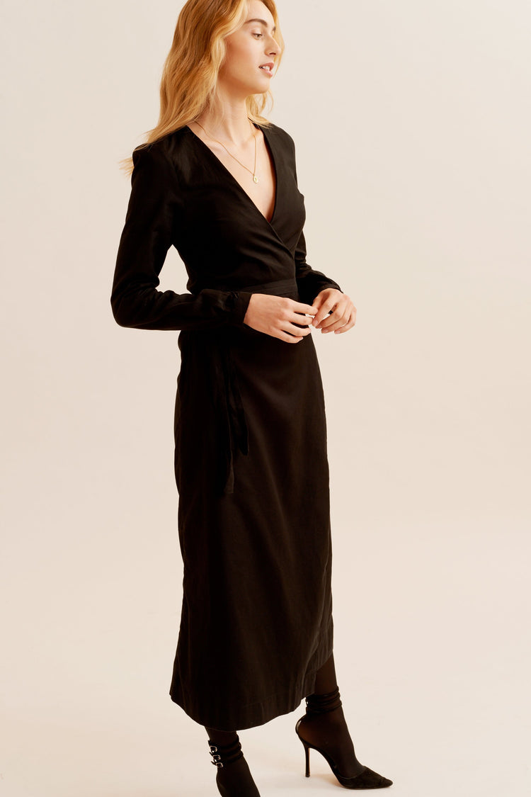 Woven Wrap Dress in Black Black