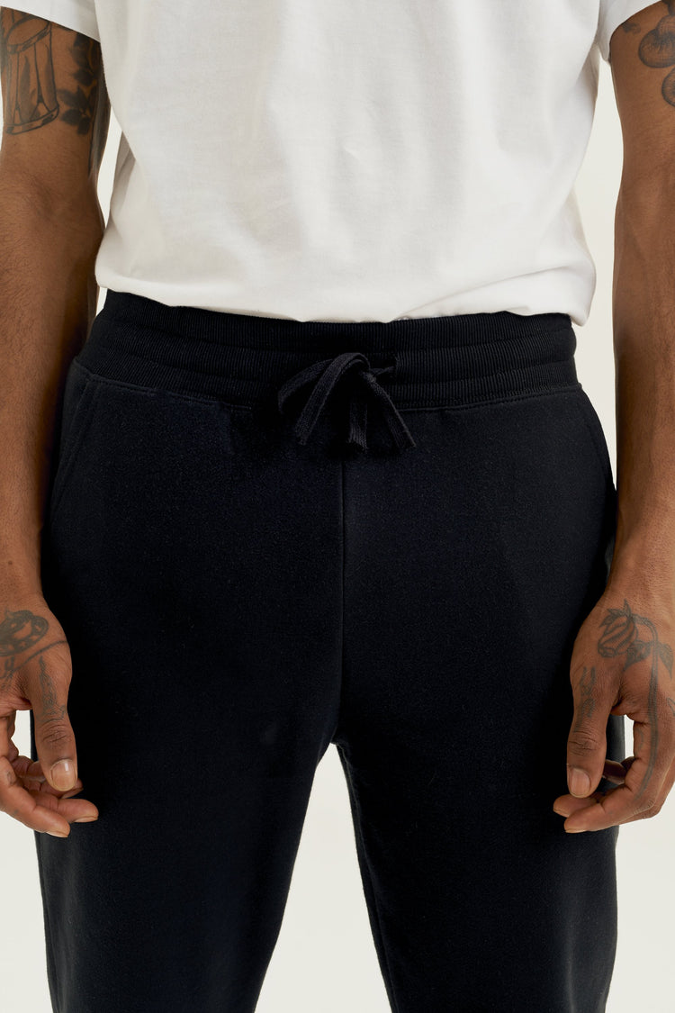 Essential Sweatpant Black