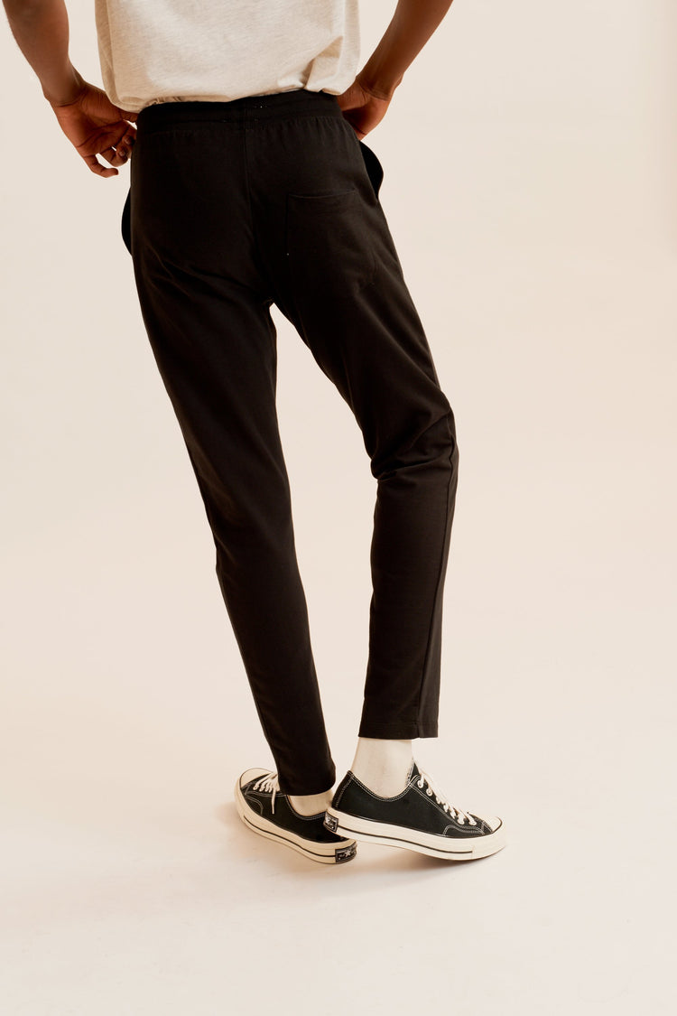 Straight Sweatpant in Black Black