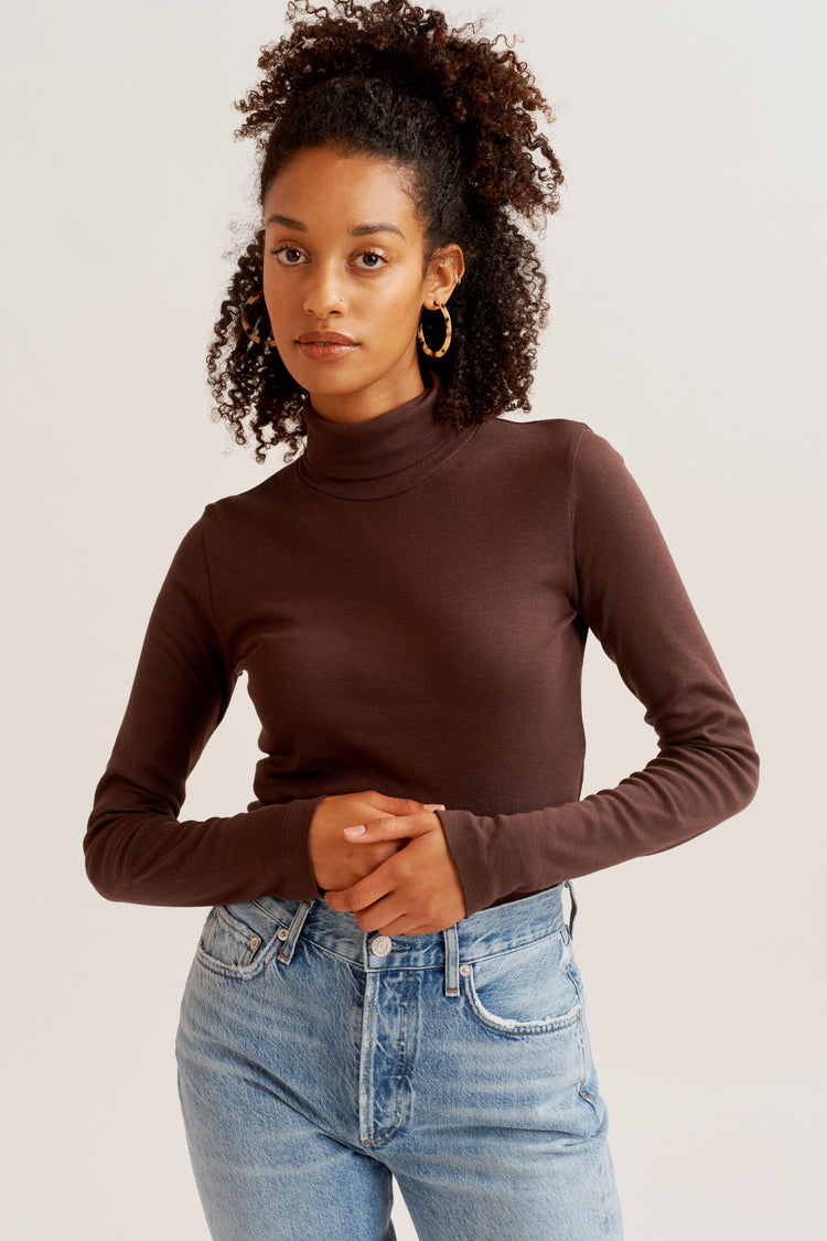 Fitted Turtleneck Cocoa