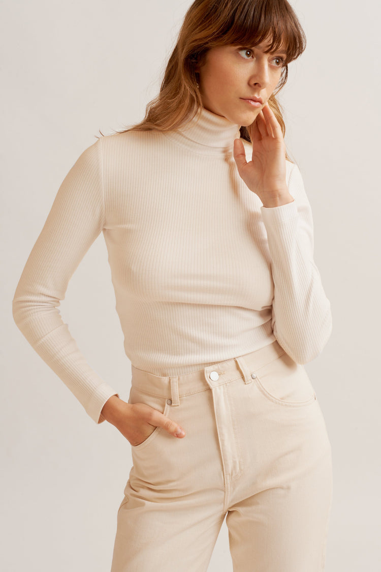 Ribbed Turtleneck alabaster