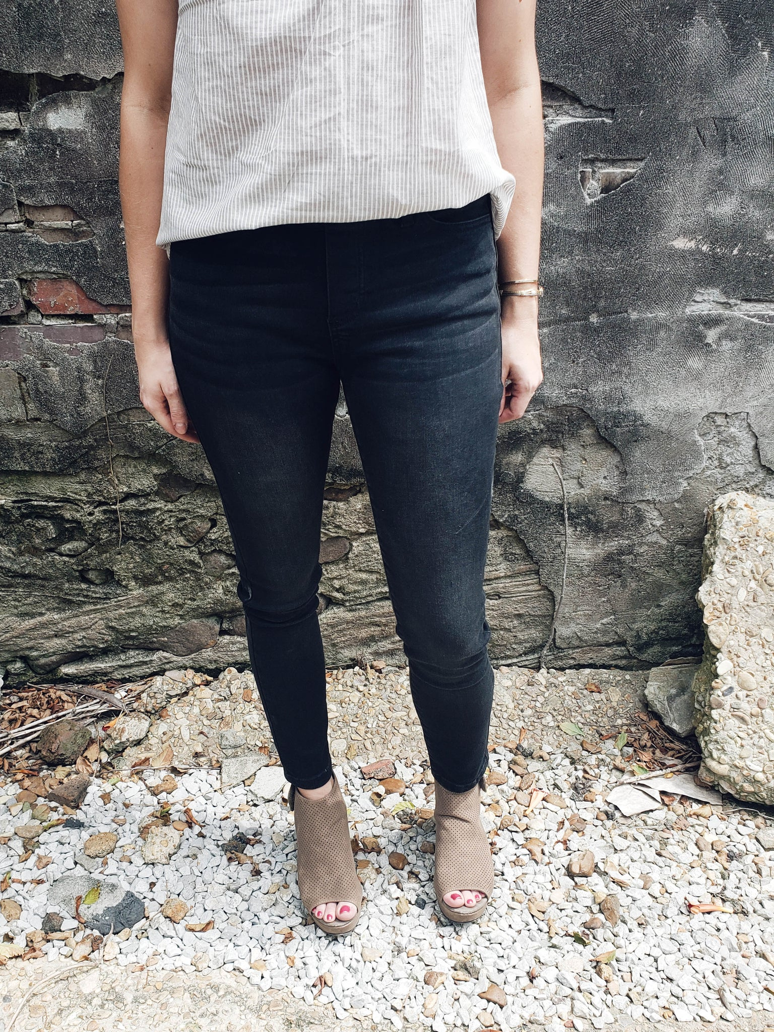 Dinner Out Jeans in Black - Enclothe Boutique