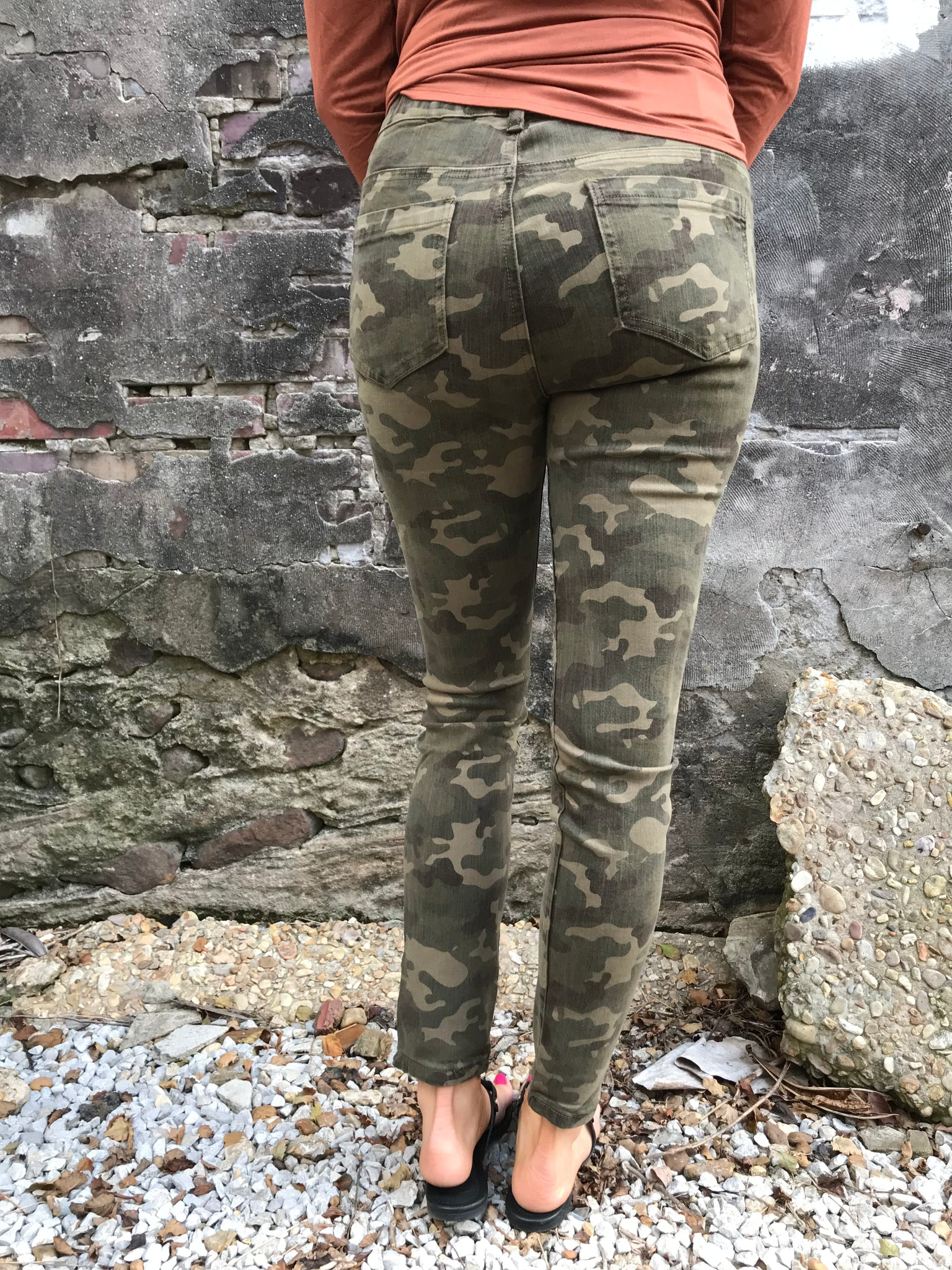 Show Off Camo Pants - Enclothe Boutique