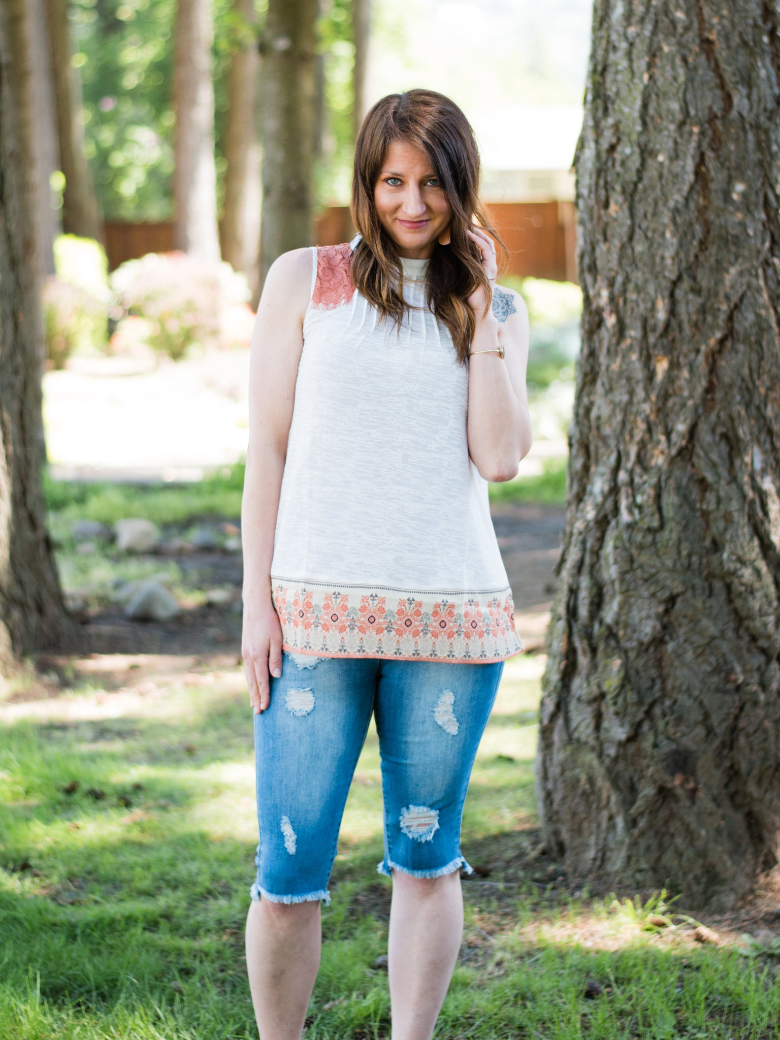 Coral and Lace Tank - Enclothe Boutique