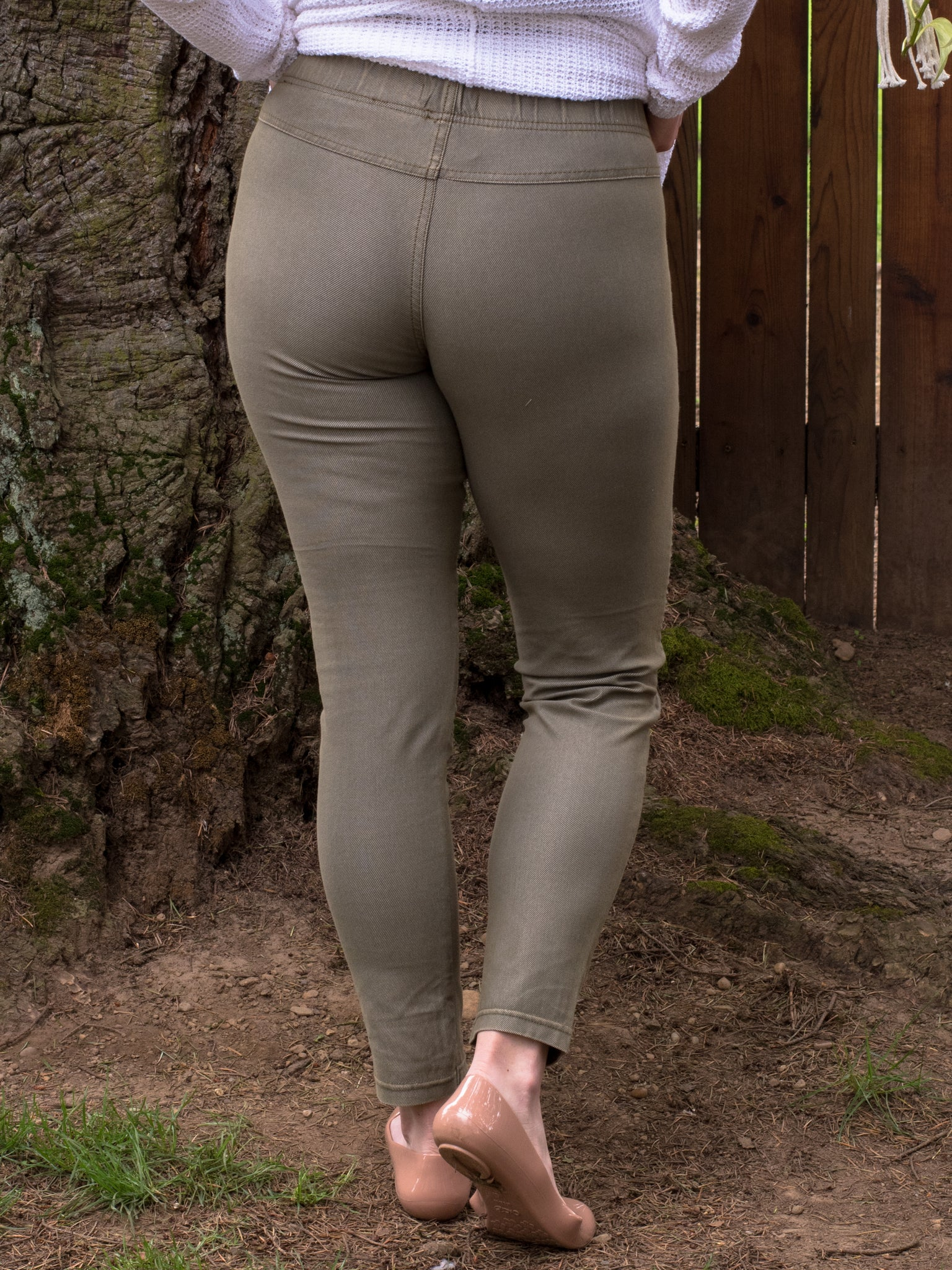 Easy Moto Leggings in Khaki - Enclothe Boutique