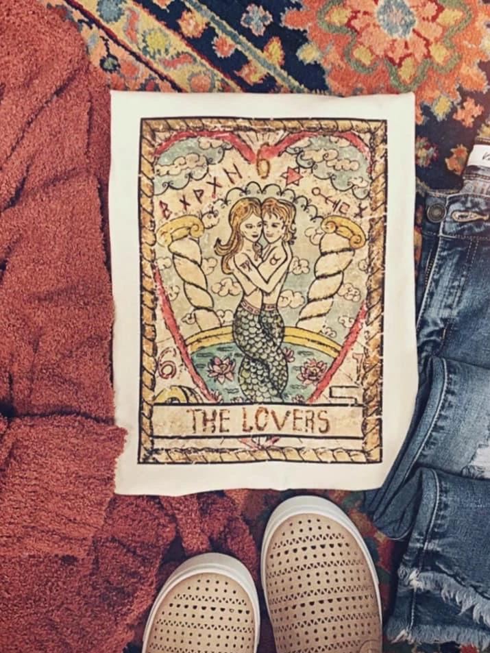 The Lovers Tarot Card Graphic T-shirt - Enclothe Boutique
