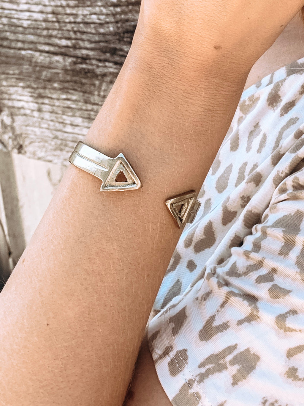 Infinity Arrow Cuff - Enclothe Boutique