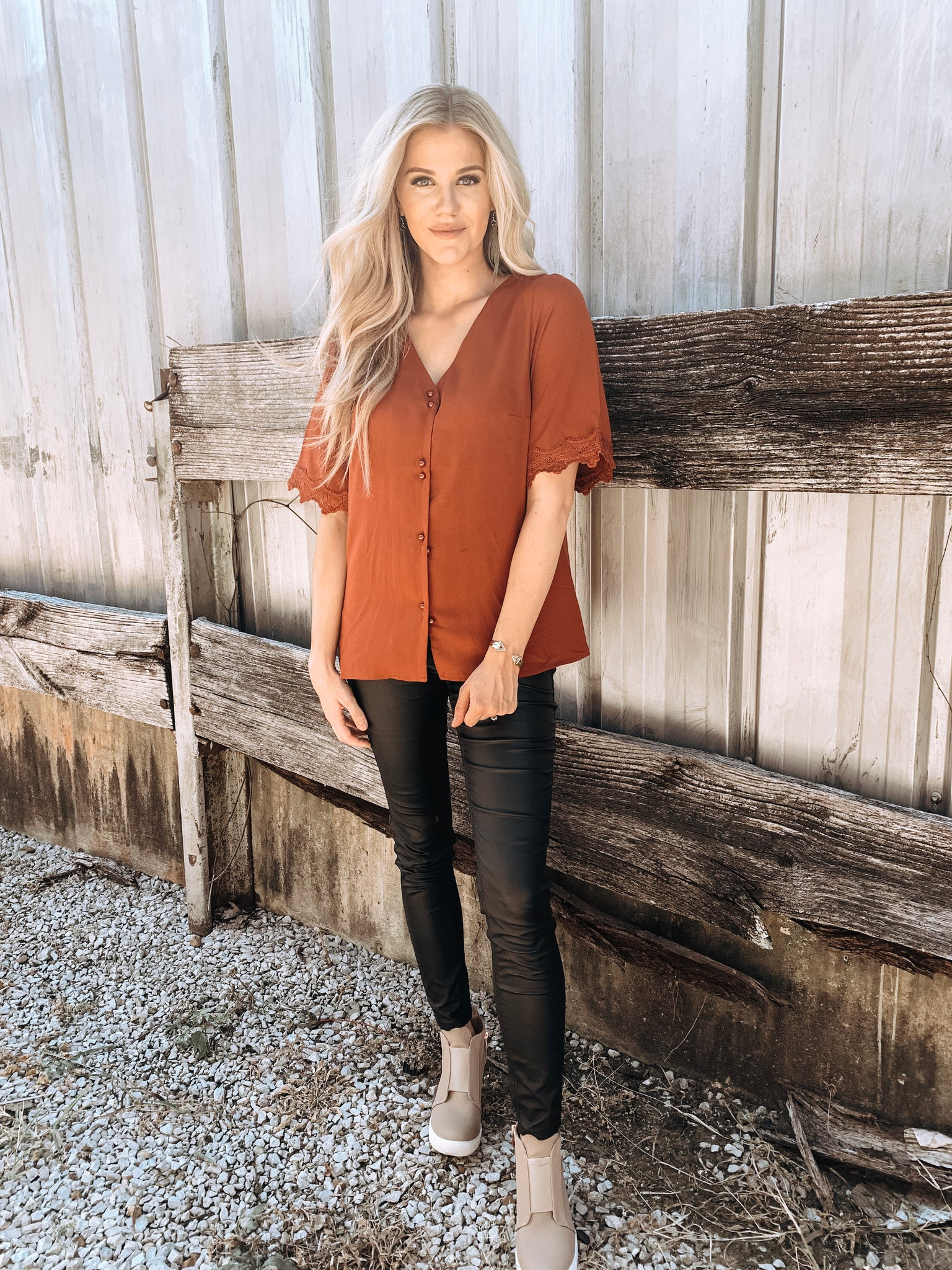 Crochet Tipped Rust Tee - Enclothe Boutique