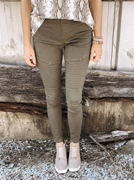 Must Have Moto Leggings in Olive - Enclothe Boutique