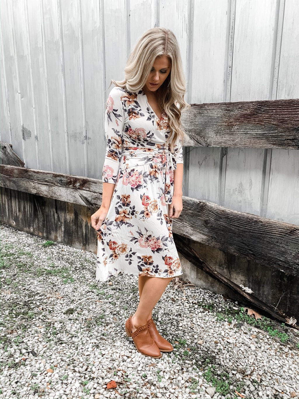 Spring Flowers Midi Dress - Enclothe Boutique