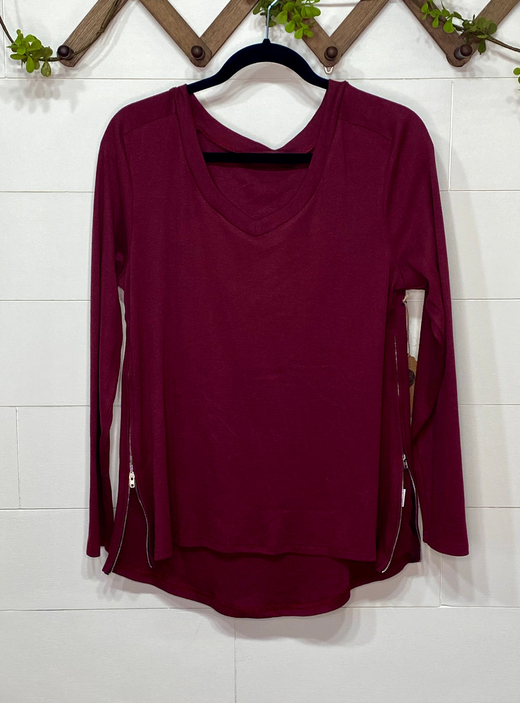 Burgundy Side Zipper Top - Enclothe Boutique