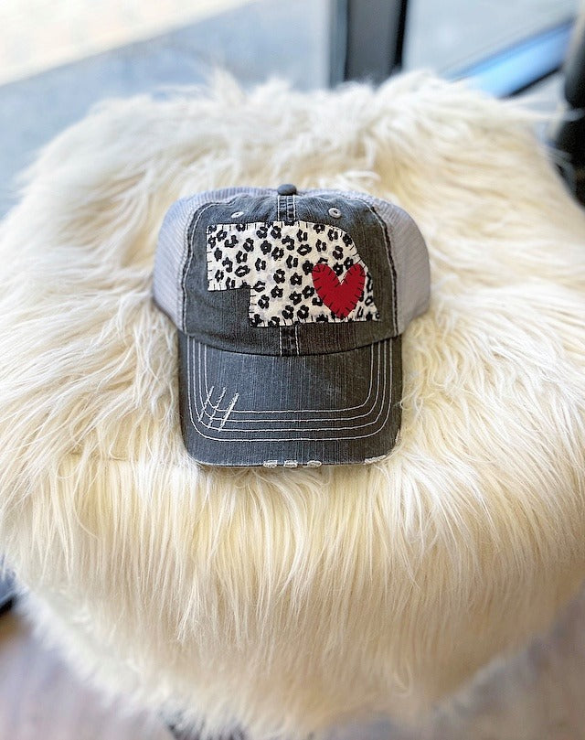 WHITE/ BLACK CHEETAH STATE + HEART - TRUCKER HAT