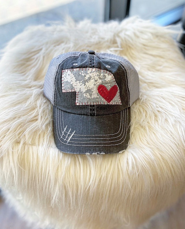 GREY LEATHER METALLIC STATE + HEART - TRUCKER HAT