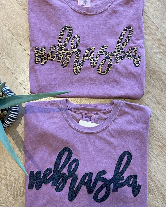 BROWN OR BLACK CHEETAH NEBRASKA - COMFORT COLORS TEE