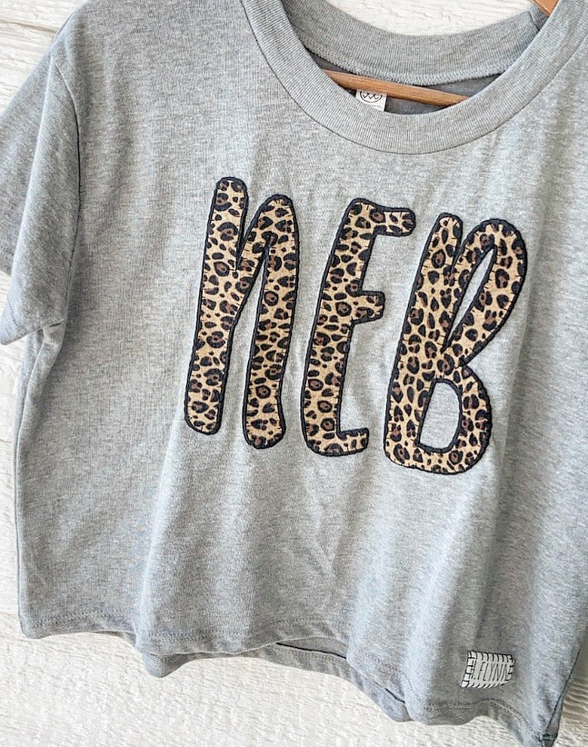 CHEETAH/ BLACK NEB - GREY CROP TEE