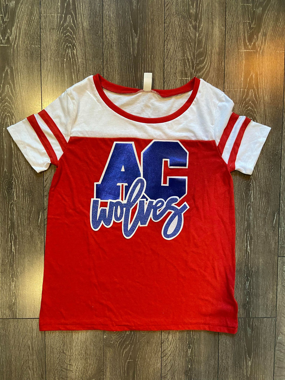 AC WOLVES - RED STADIUM TEE