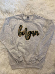 BERGAN - LIGHT GREY GILDAN CREW