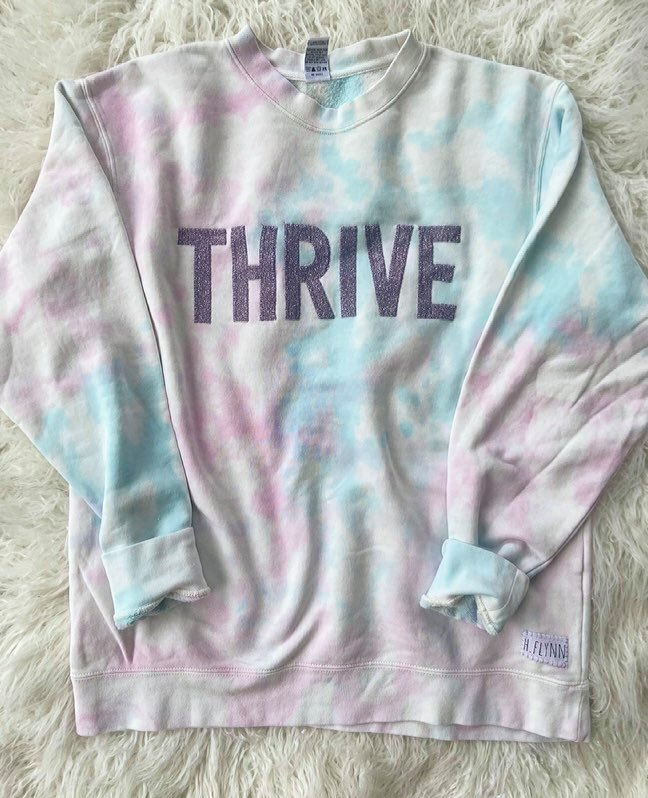 THRIVE - PASTEL DYED CREW