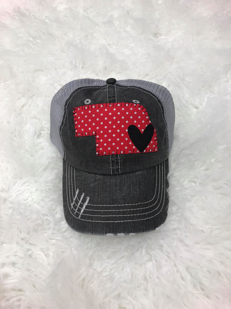 RED/ WHITE TINY POLKA STATE WITH BLACK HEART HAT