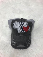 BLACK PEBBLE STATE WITH RED HEART HAT