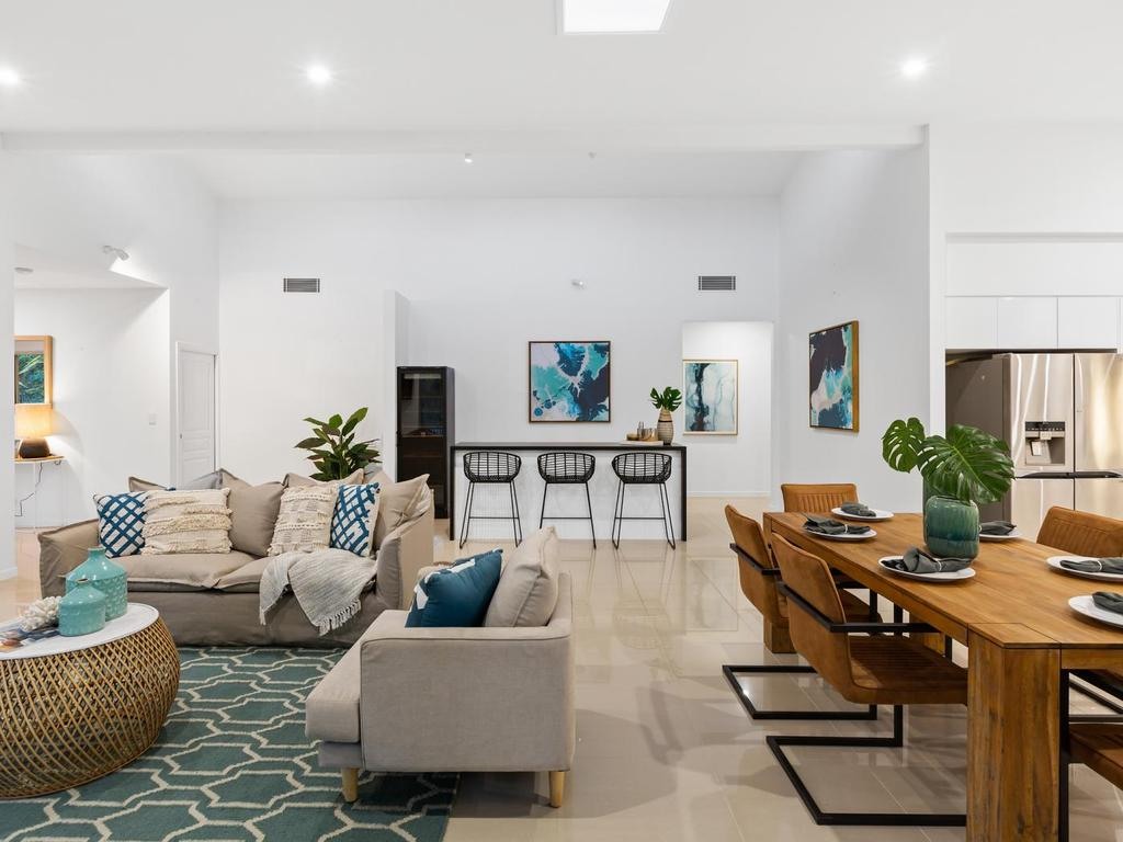 kingscliff-property-styling-living-dining-kitchen-area