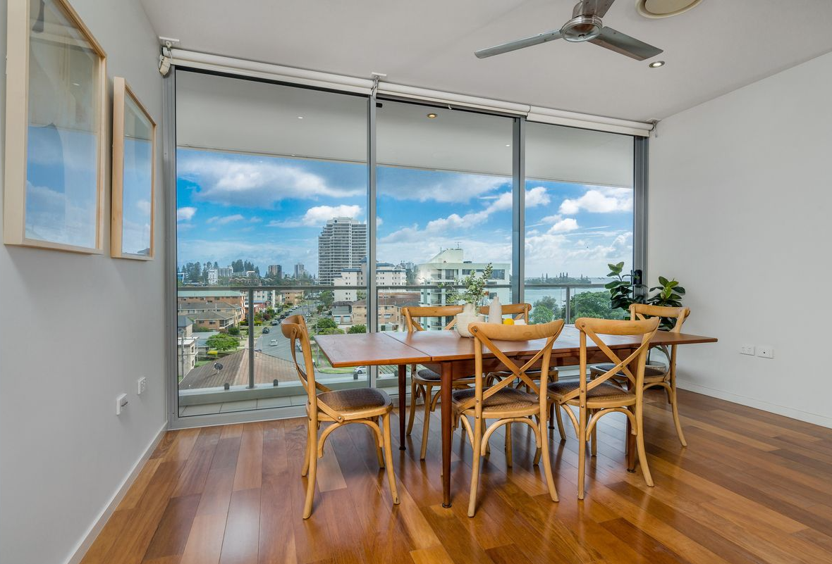 pre-sale-property-styling-tweed-heads-nsw-dining-room-decor