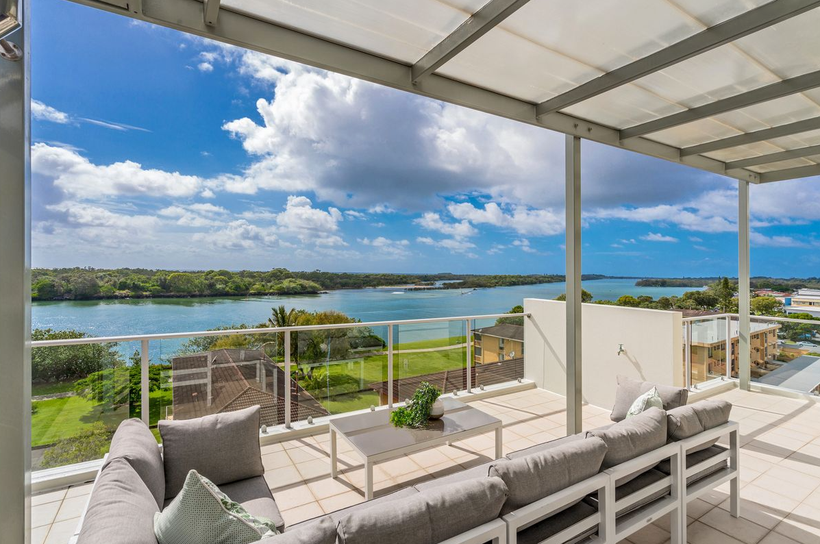 pre-sale-property-styling-tweed-heads-nsw-outdoor-sofa-setting