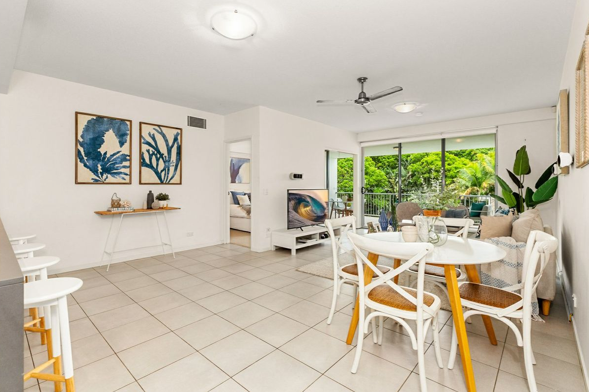 presale-property-styling-casuarina-living-dining-space