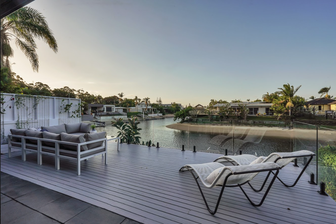 property-styling-broadbeach-qld-outdoor-river-side-styling