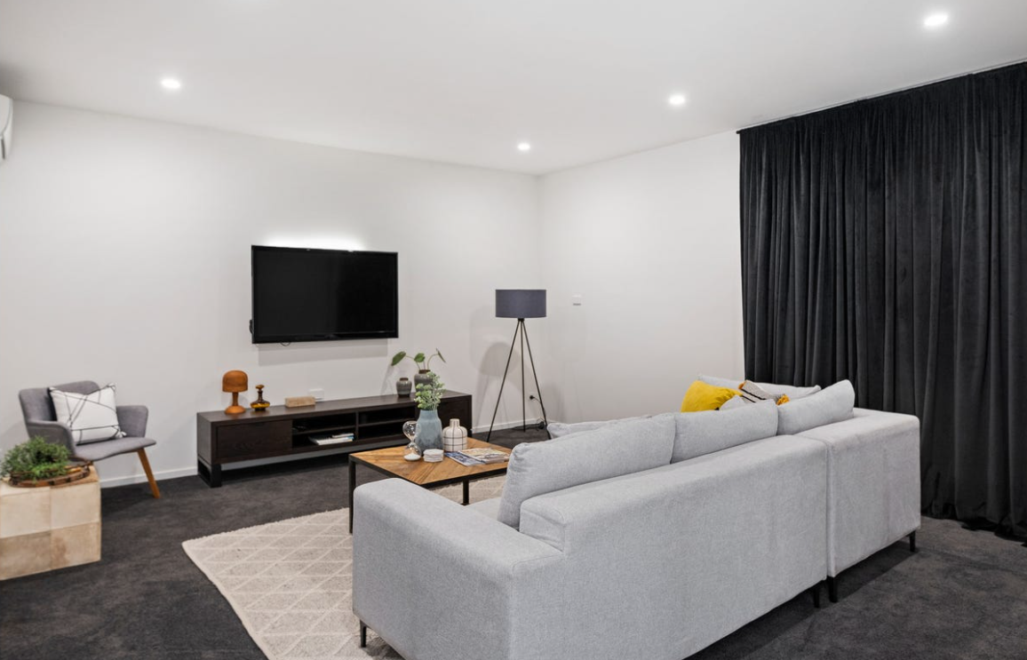 property-styling-burleigh-waters-qld-vintage-eclectic-lounge-room