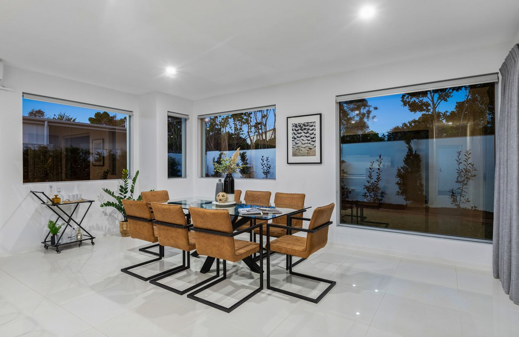 property-styling-for-sale-kingscliff-dining-room