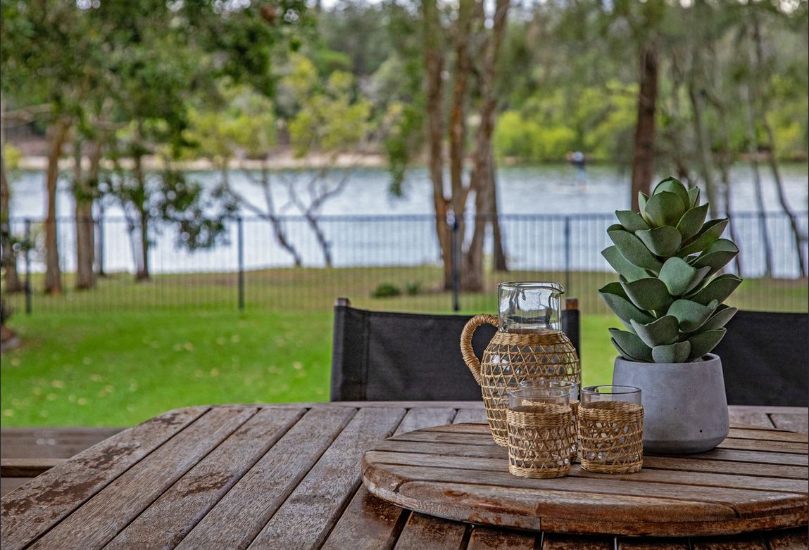 property-styling-for-sale-pottsville-outdoor-dining