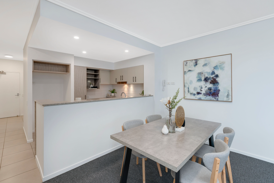 property-styling-for-sale-robina-qld-dining-space-decor