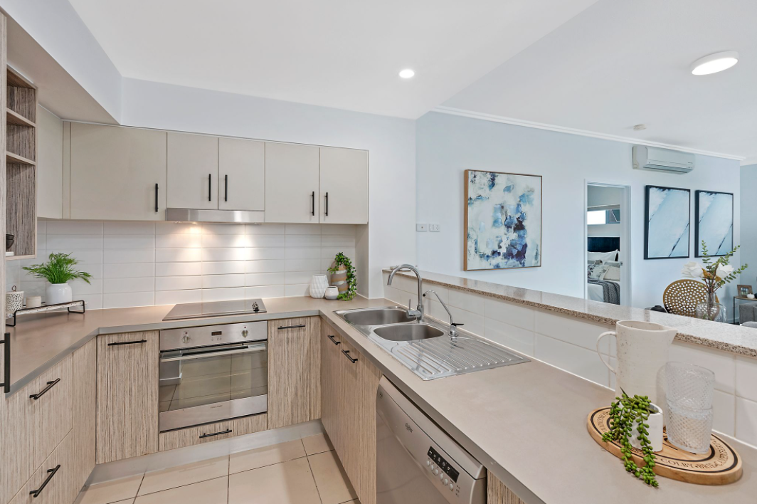 property-styling-for-sale-robina-qld-kitchen-decor