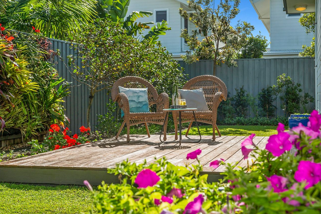 property-styling-kingscliff-country-coastal-outdoor-occassional-setting