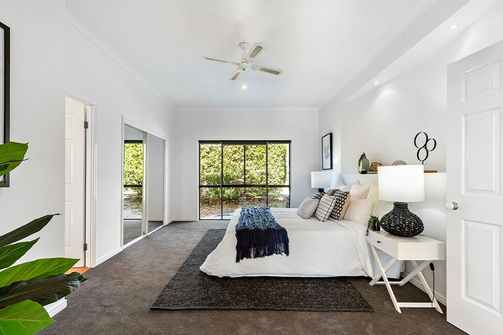 property-styling-pacfic-pines-master-bedroom