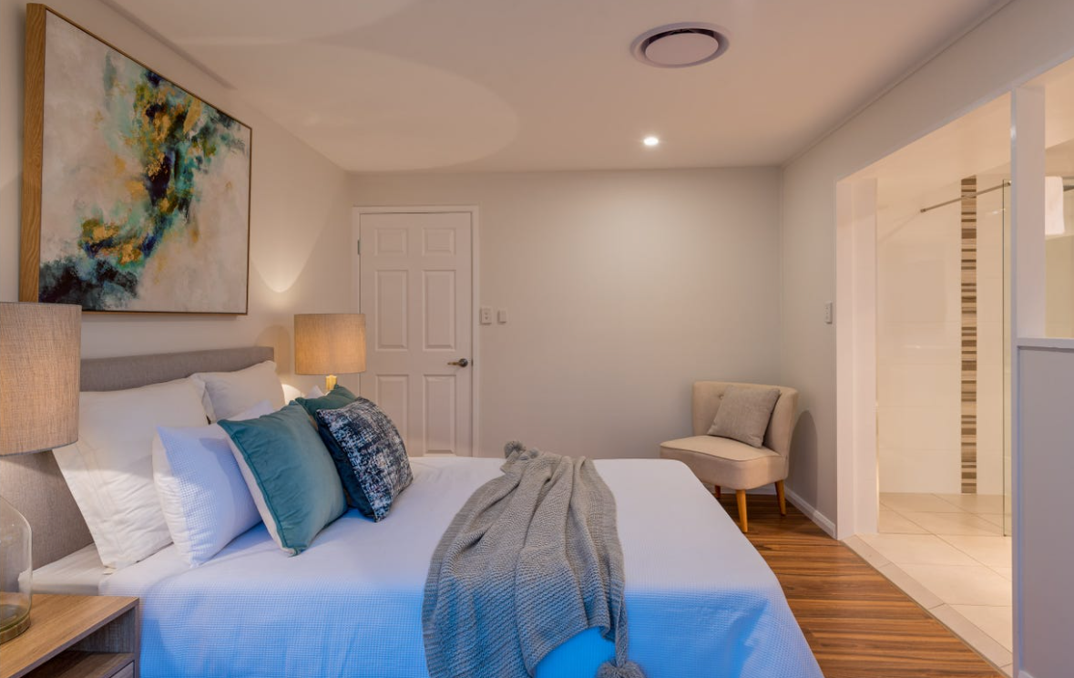 property-styling-qld-family-home-master-bedroom