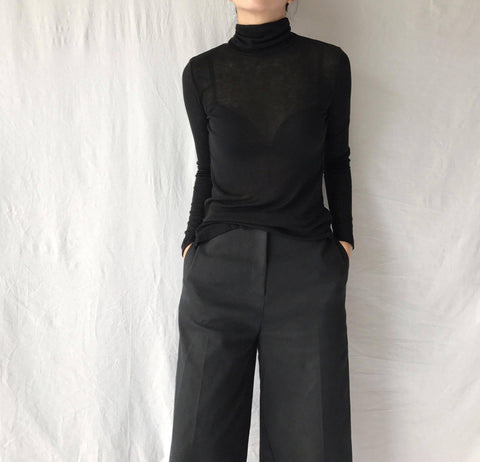 Wool Mix Turtleneck in Black (Available in 15 other colors) (42,000원)