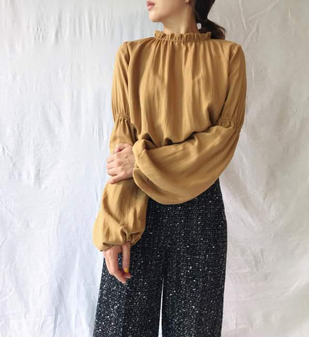 Tory Blouse in Camel (70,000원)