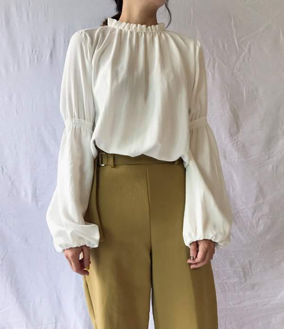 Tory Blouse in Ivory (70,000원)