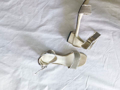 Pale Gold Ankle Sandals (70,000원)