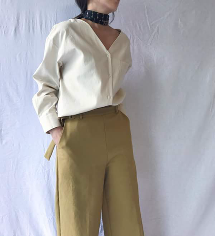 Front/Back Buttoned Shirt in Creme (82,000원)