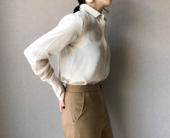 Essential Silky Blouse in Ivory  (70,000원)
