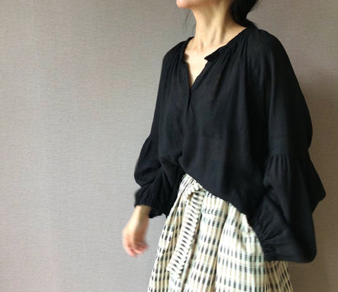 Sheer Linen Blouse in Black (76,000원)